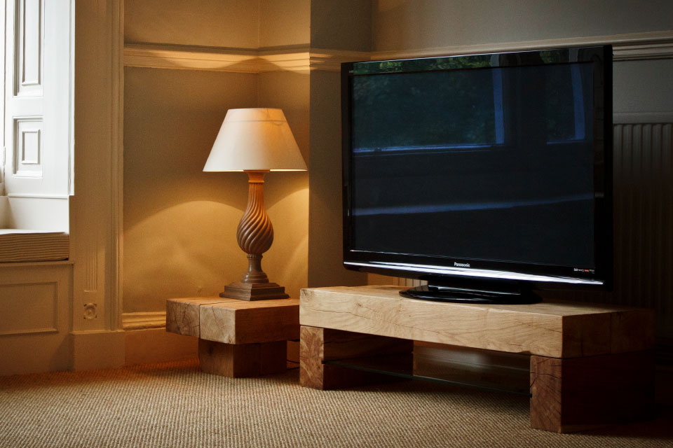 Oak TV Stands   Custom Made in the UK   Abacus Tables